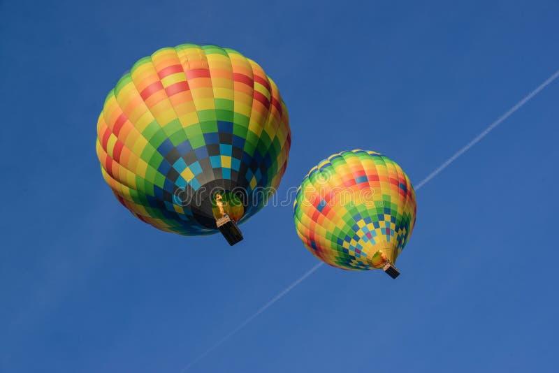 Ballons à air chauds au-dessus de Napa Valley la Californie image libre de droits