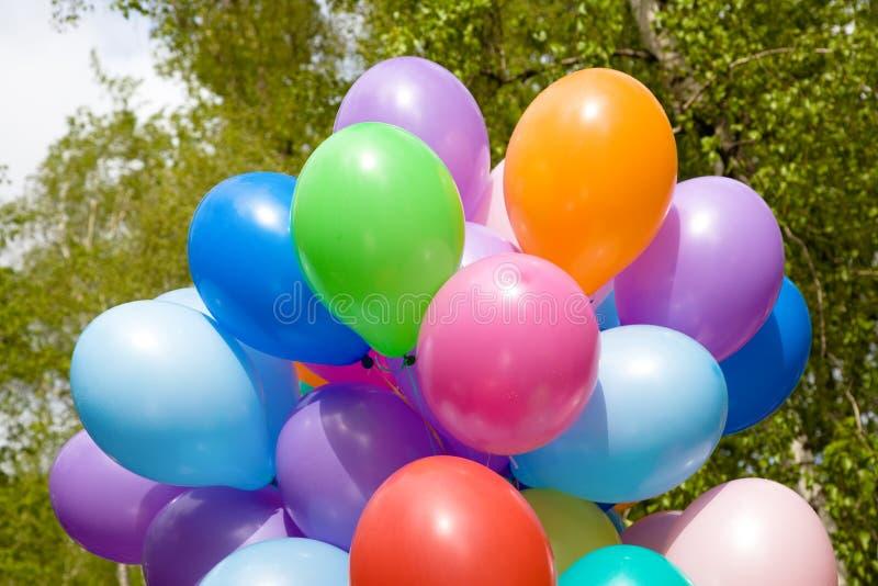 Ballons à air colorés. photographie stock