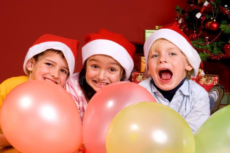 ballons χριστουγεννιάτικο δέντρο παιδιών στοκ εικόνες