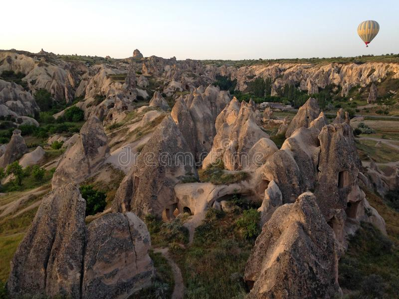 Ballons au-dessus de Cappadocia photographie stock