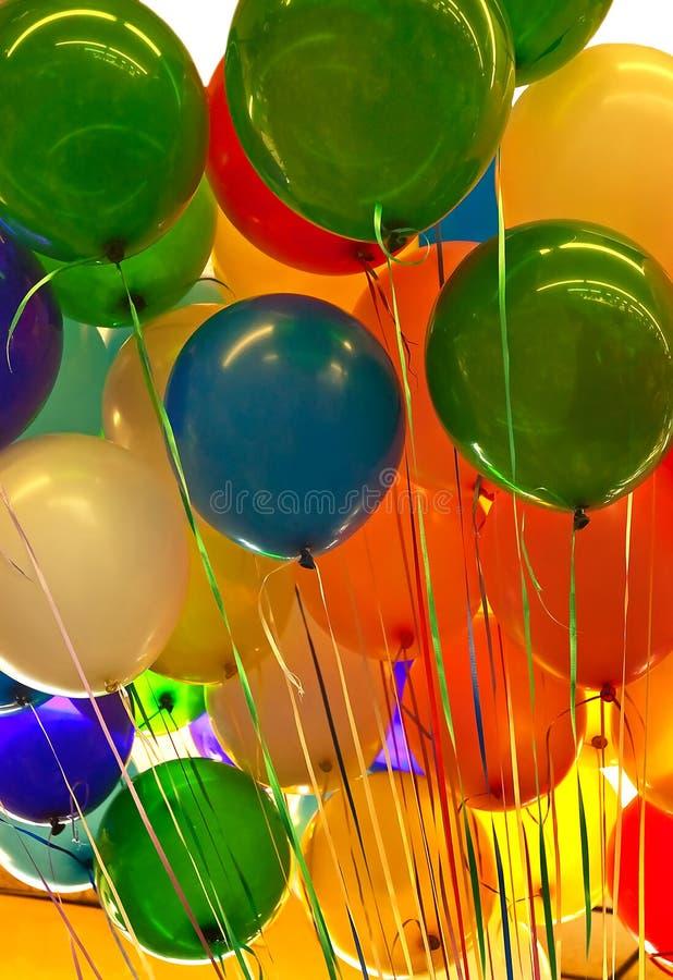 Ballons colorés de réception image libre de droits