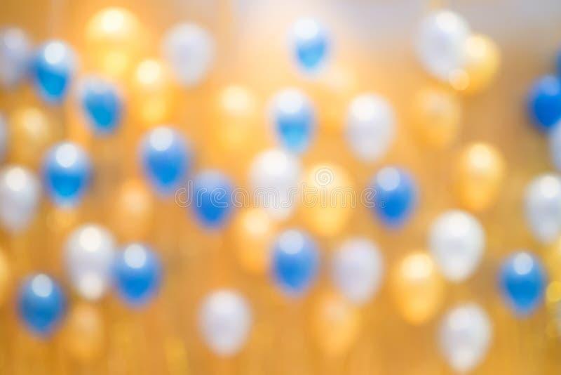 Ballons colorés de tache floue pour le fond photo stock
