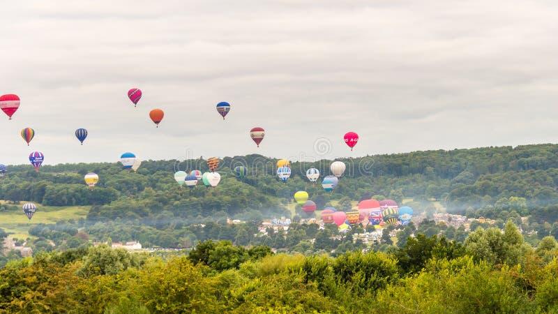 Ballons die in Bristol Balloon Fiesta 2016 A opstijgen royalty-vrije stock foto's