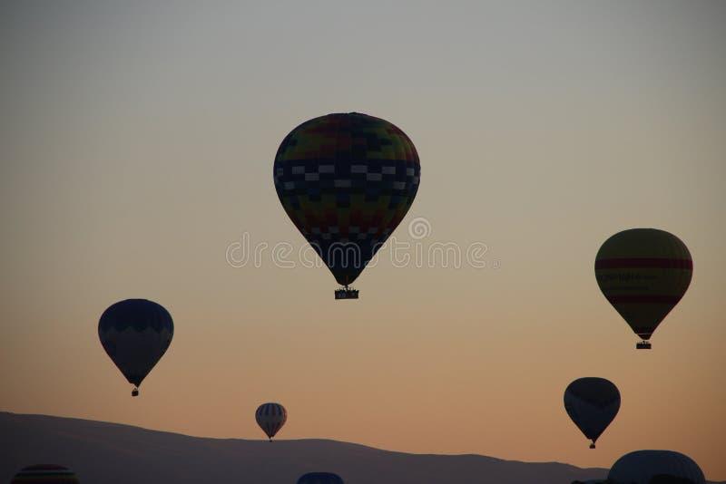 Ballons en ciel photographie stock libre de droits