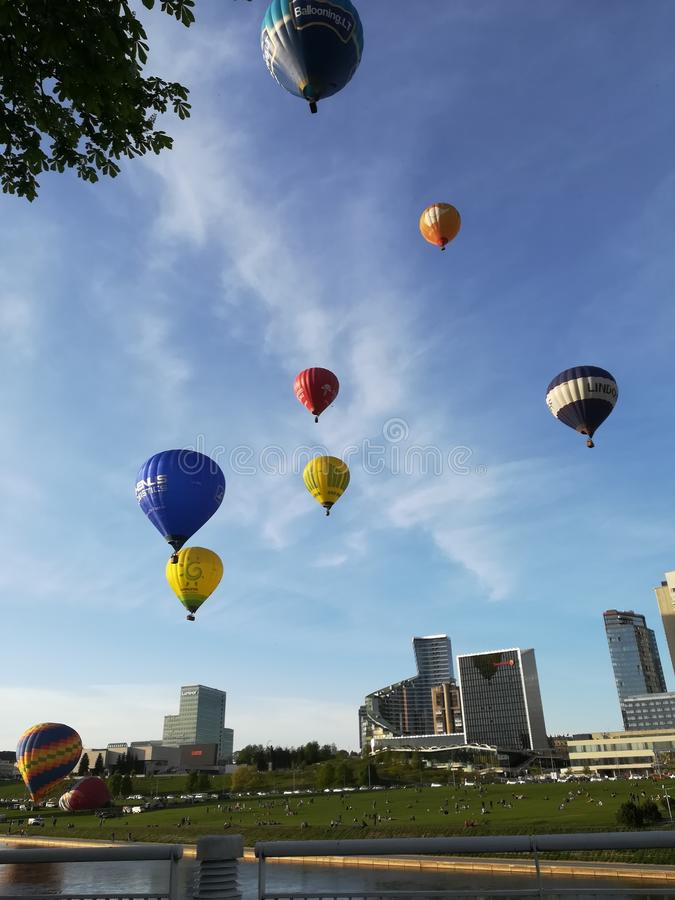 Ballons Vilnius do ar quente imagem de stock royalty free