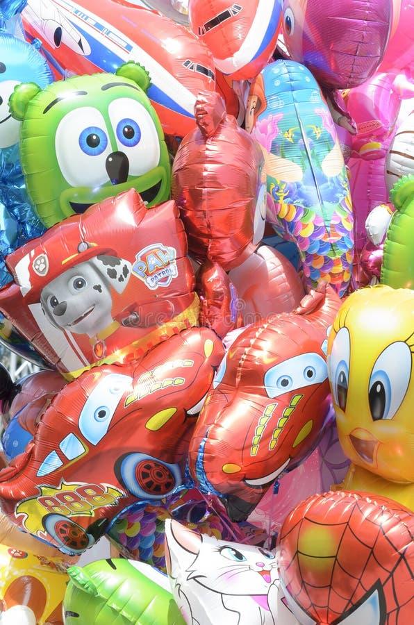 Ballons voor verkoop bij het festival stock afbeelding