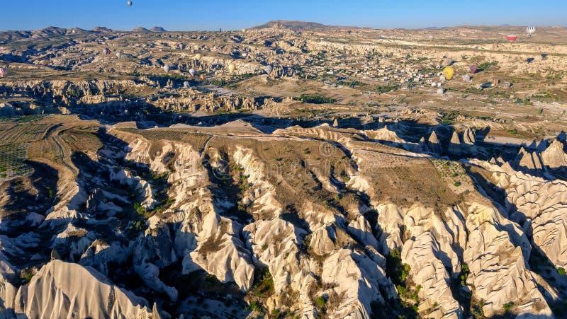 Ballooning à l'air chaud dans les Canyons de Cappadoce photographie stock libre de droits