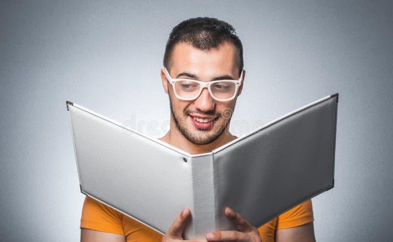 Ballot avec le livre images stock