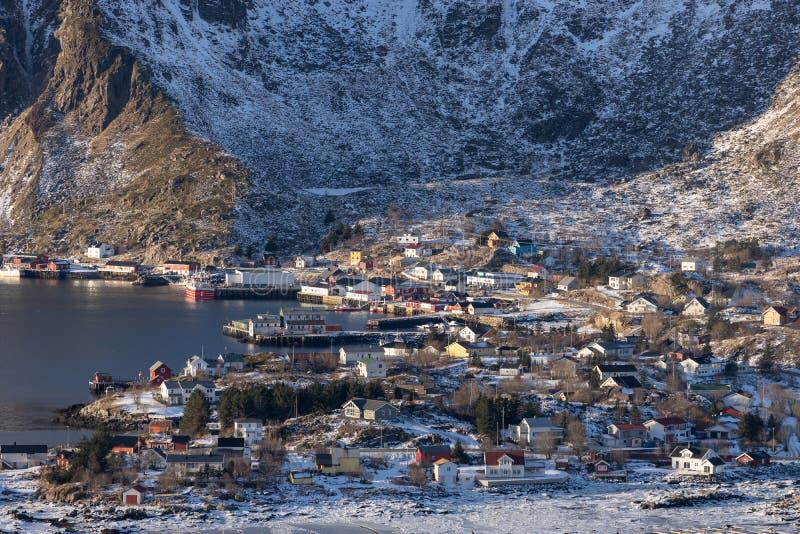 Ballstad fiskeläge i vintersäsong i den Lofoten skärgården, Norge, Skandinavien arkivfoto