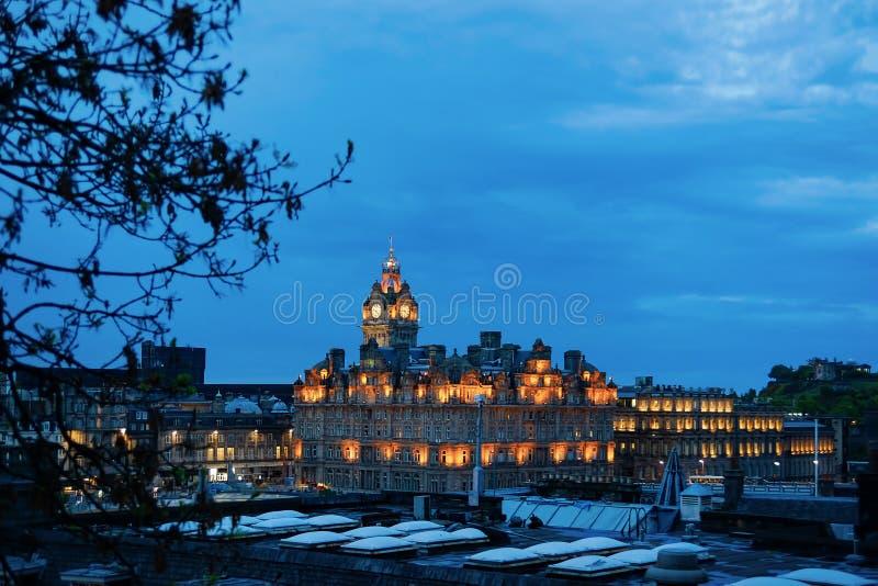 Balmoral in Edinburgh in Schotland in Britse nacht royalty-vrije stock afbeelding