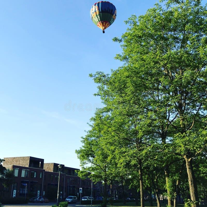 Balon nad Dertien Loten & x27; s-Hertogenbosch, holandie obrazy royalty free