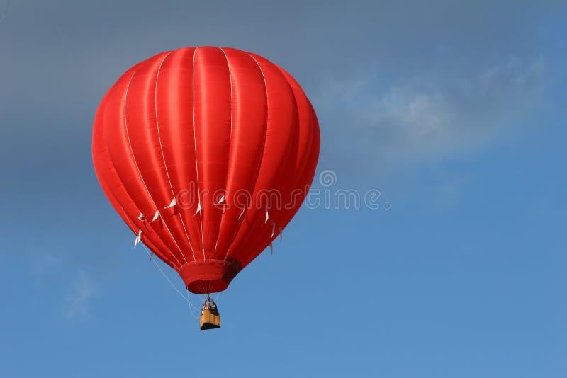 Balon powietrza gorąca czerwony
