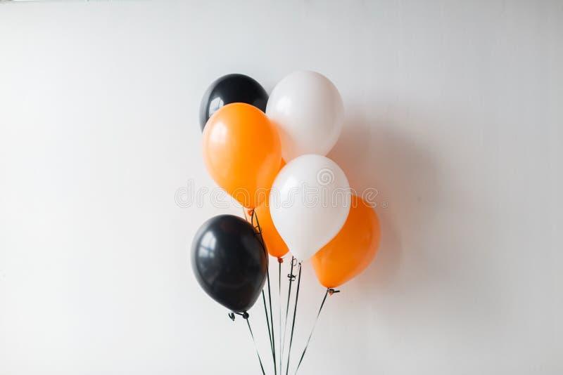 Balones de aire para la fiesta de Halloween o de cumpleaños imagen de archivo