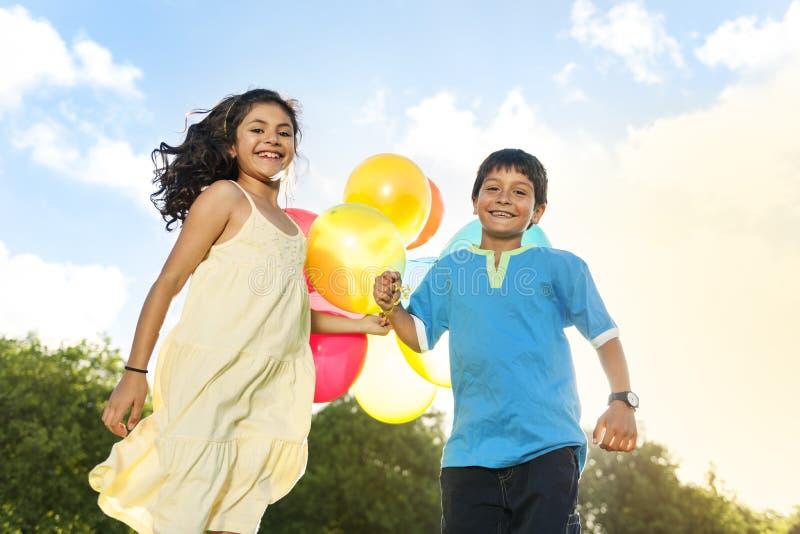 Balonowa aktywność Bawić się Rekreacyjnego Śmiesznego dziecka pojęcie zdjęcie royalty free