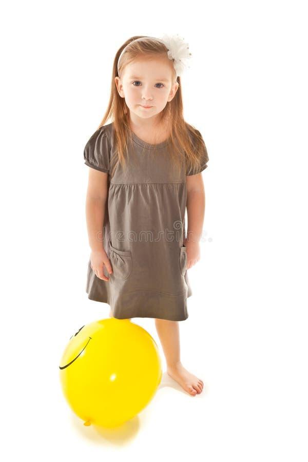 balonowej dziewczyny mała przyglądająca zabawka zdjęcia royalty free