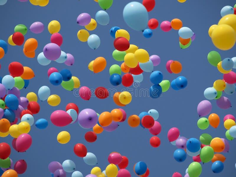 Balony na niebieskim niebie obraz royalty free