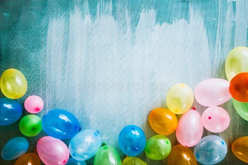 Baloons e objetos do aniversário fotografia de stock