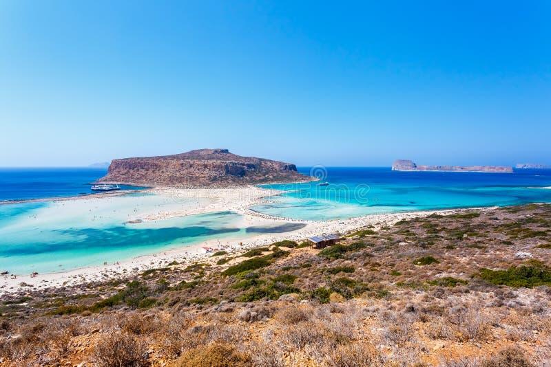 Balos盐水湖和格拉姆武萨群岛山在克利特海岛上 希腊 图库摄影