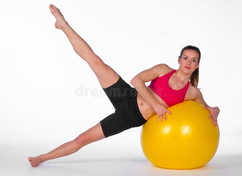 balowi ćwiczenia pilates kobiety potomstwa obrazy royalty free