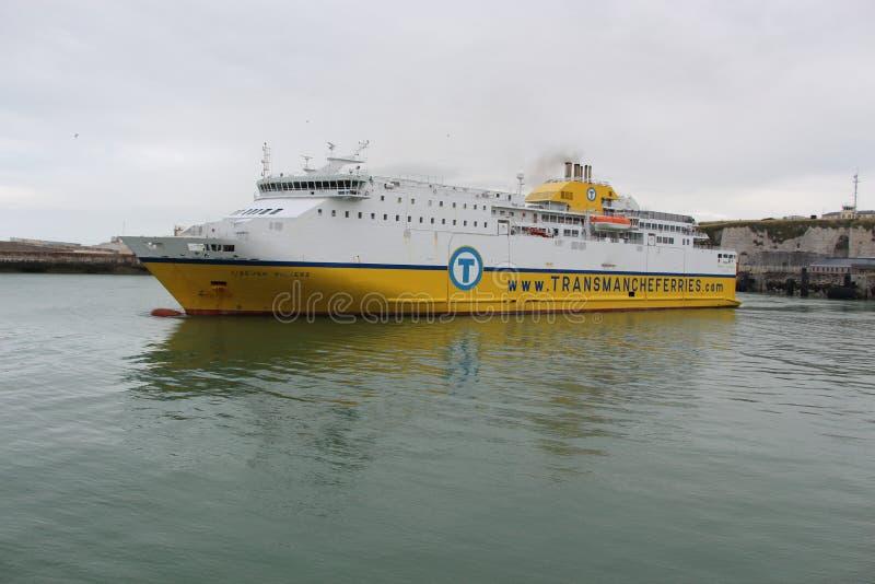 Balsa do canal inglês que começa o viagem em Dieppe, França imagens de stock