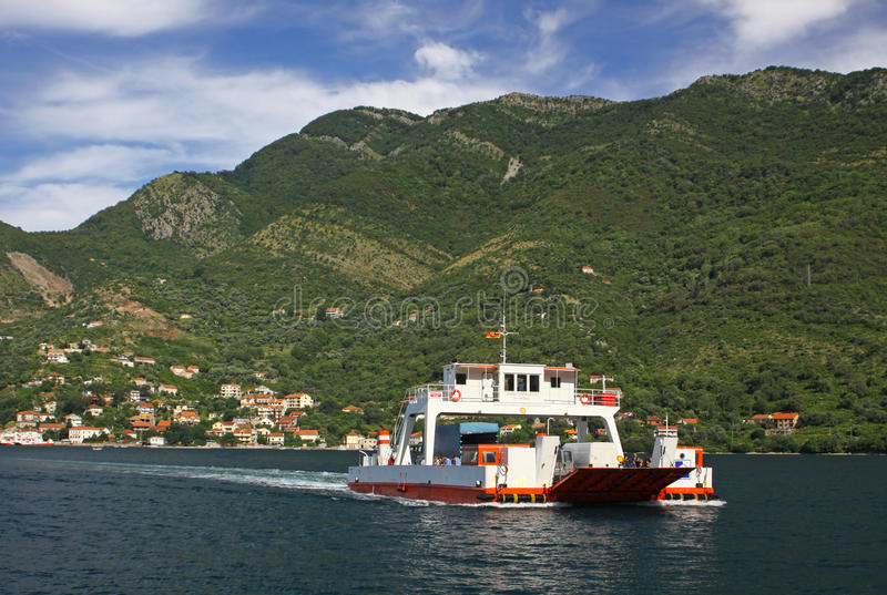 Balsa no louro de Kotor, Montenegro fotografia de stock royalty free