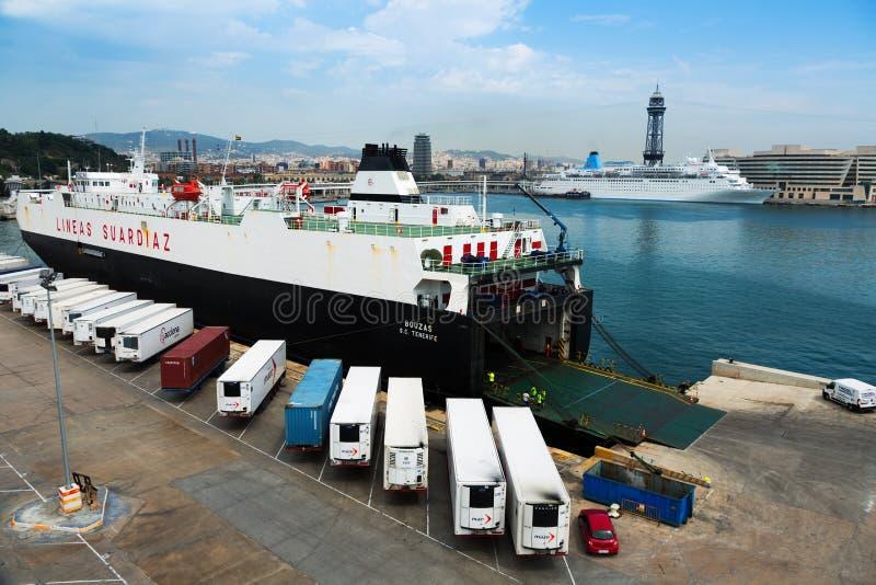 Balsa no porto Vell Barcelona imagens de stock
