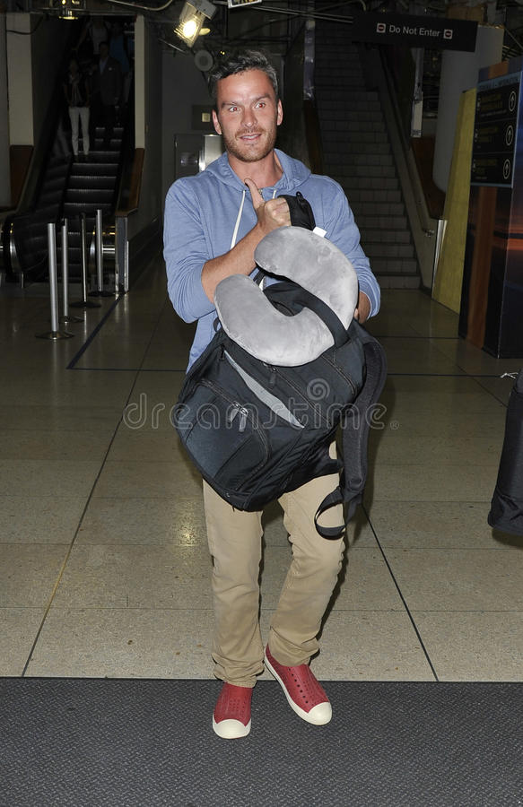 Balthazar Getty no aeroporto RELAXADO fotos de stock