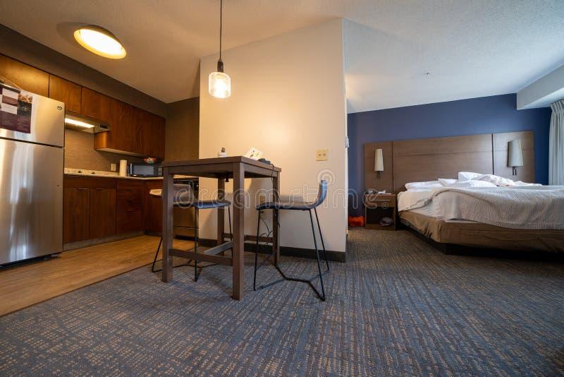 Baltimore, Maryland - 14 de mayo de 2019: Vista de un mes?n por Marriott, habitaci?n de la residencia nuevamente remodelada, con  fotografía de archivo libre de regalías