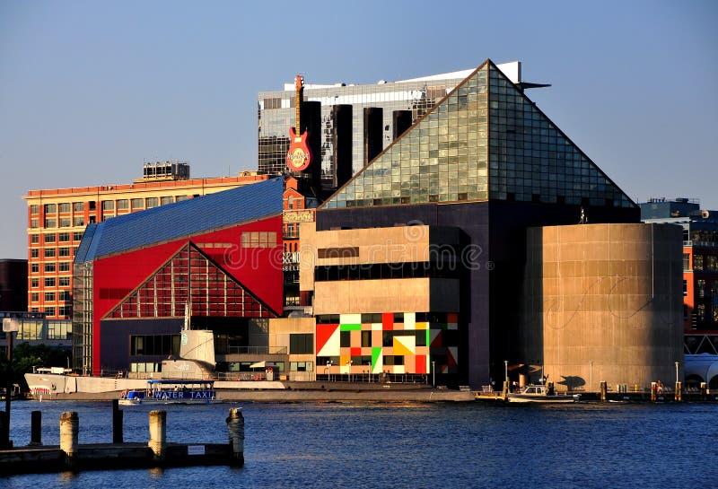 Baltimore, MD: Nationales Aquarium und U.S.S. Torsk lizenzfreie stockfotos
