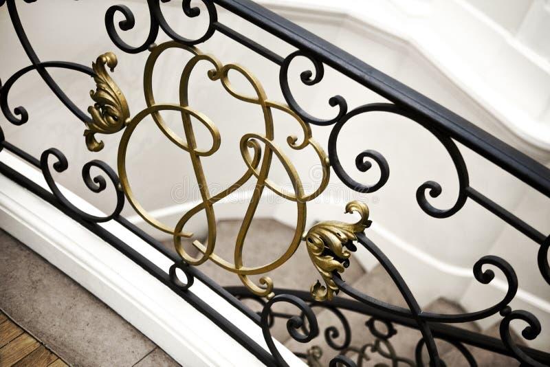 Balustrade d'escalier à l'intérieur d'une maison images stock