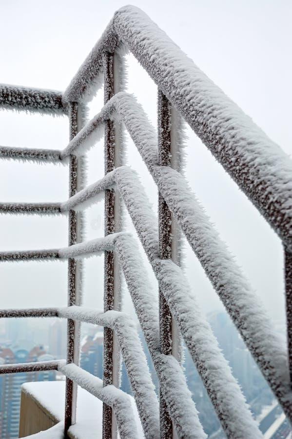 Balustrade dans la neige photos libres de droits