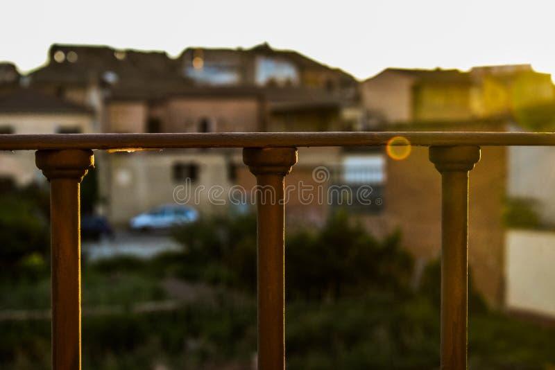 Balustrade et soleil photo stock