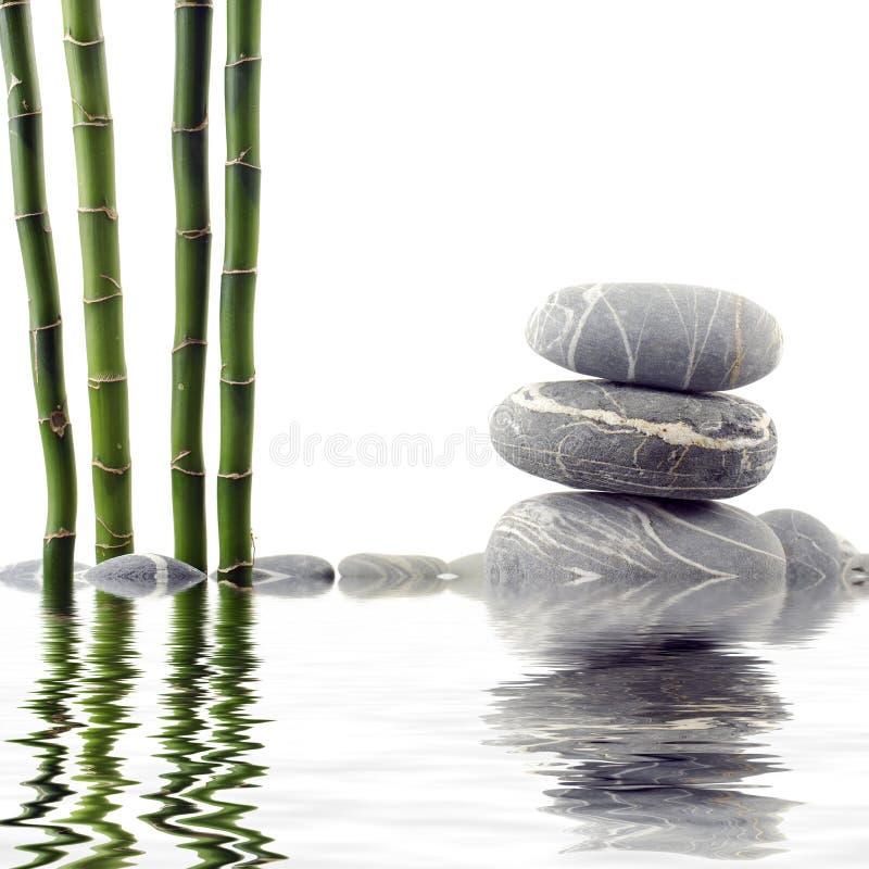 Bambù e pietra fotografie stock libere da diritti