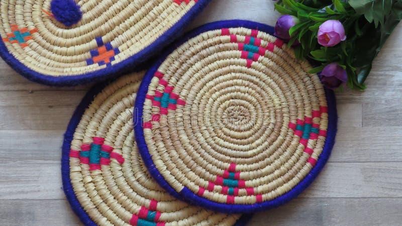Bambú/Cane Trays tejidos hechos a mano hermosos fotografía de archivo