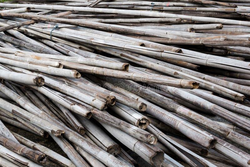 Bambú viejo de la pila fotografía de archivo