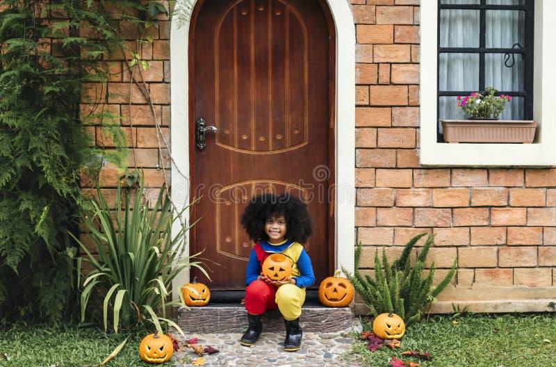 Bambina agghindata per Halloween fotografia stock libera da diritti