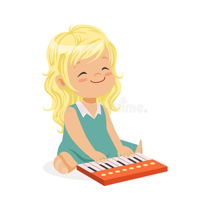 Bambina bionda dolce che gioca piano, giovane musicista con lo strumento musicale del giocattolo, istruzione musicale per il fume illustrazione di stock