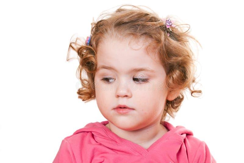 Bambina che osserva giù immagine stock libera da diritti