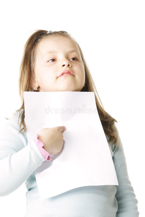 Bambina con documento in bianco immagini stock libere da diritti