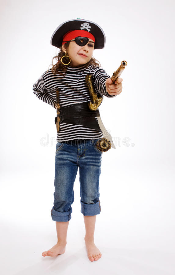 Bambina in costume del pirata immagini stock libere da diritti