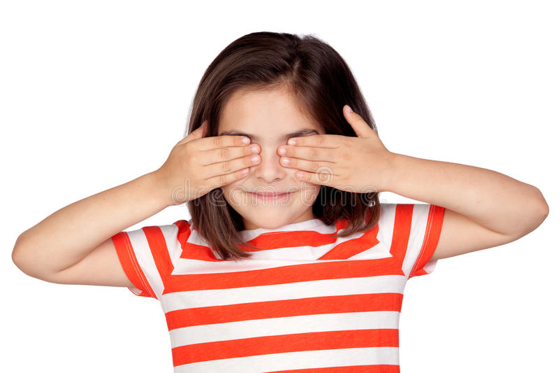 Bambina del Brunette che copre gli occhi immagini stock