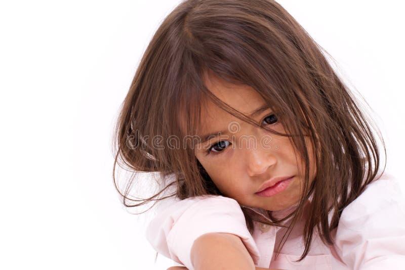 Bambina esaurita, disperata, triste fotografia stock