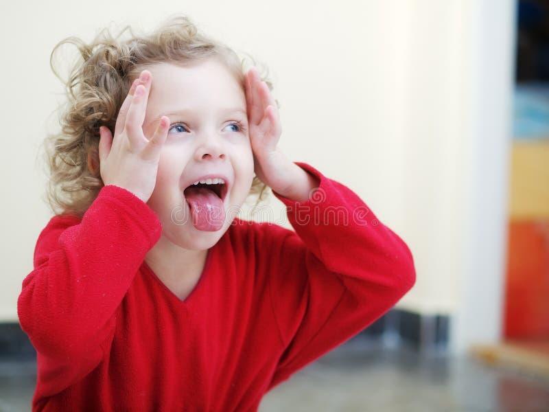 Bambina esterna fotografie stock