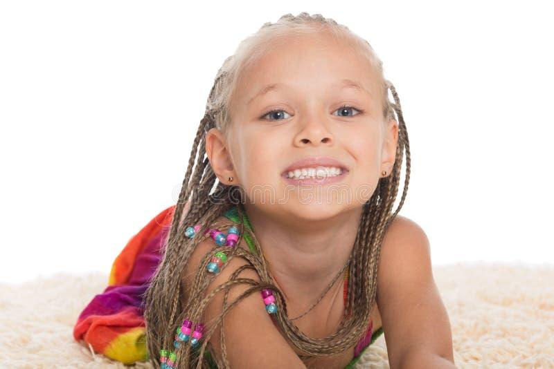 Bambina graziosa con i dreadlocks fotografia stock libera da diritti