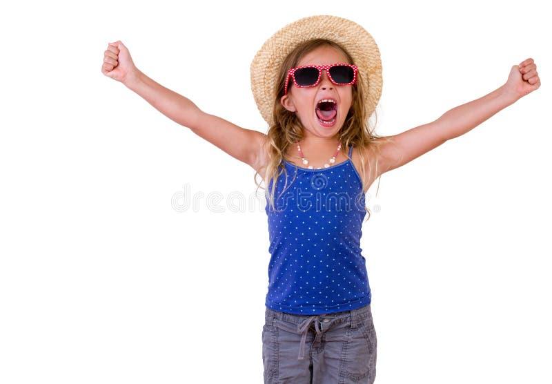 Bambina graziosa d'avanguardia in un'attrezzatura di estate immagini stock libere da diritti