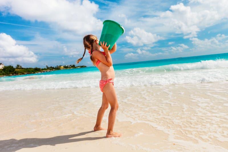 Bambina sulla vacanza immagini stock libere da diritti
