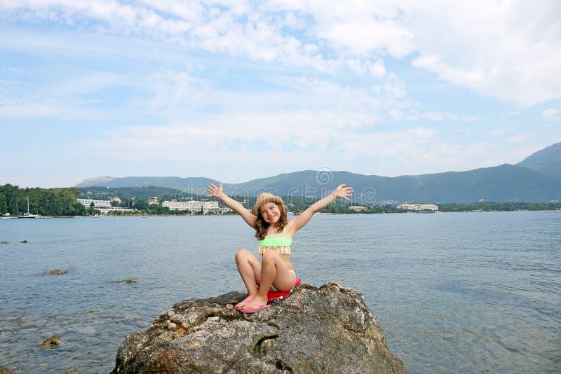 Download Bambina Sulle Vacanze Estive Immagine Stock - Immagine di mediterraneo, cheerful: 56888145