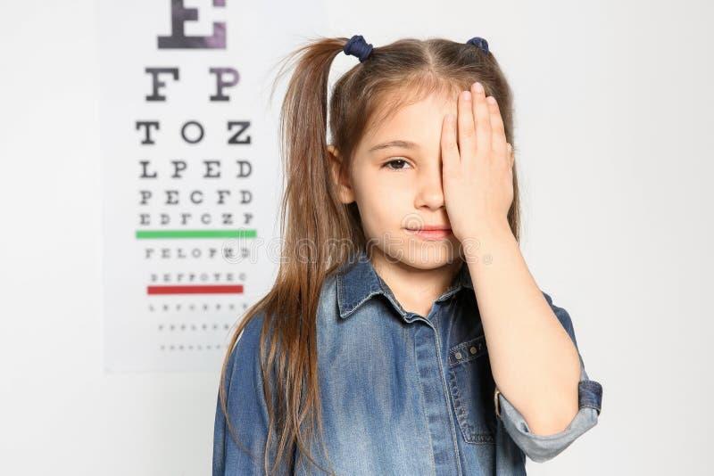Bambina sveglia fotografie stock libere da diritti