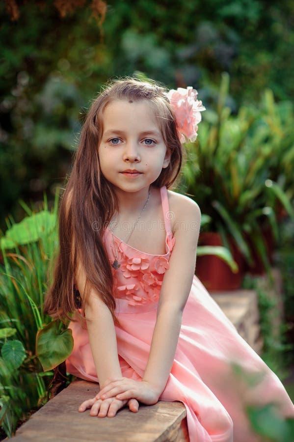 Bambina in vestito immagine stock libera da diritti
