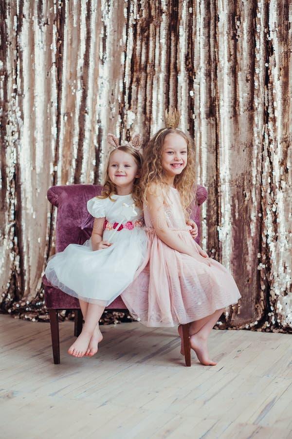 Bambine graziose fotografia stock libera da diritti